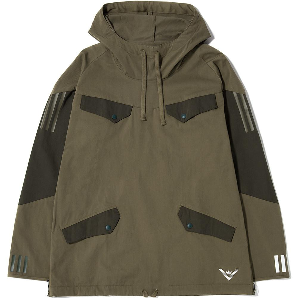 style code BQ4126. ADIDAS ORIGINALS BY WHITE MOUNTAINEERING PULLOVER JACKET / TRACE OLIVE