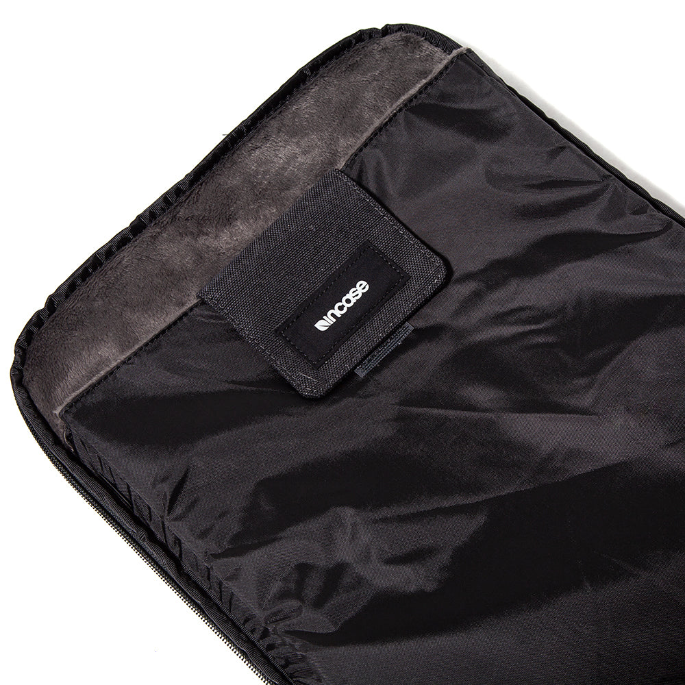 Style code CL90004F18. Incase EO Travel Backpack / Black