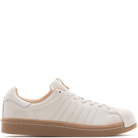 style code CM8002. ADIDAS CONSORTIUM SERIES KASINA SUPERSTAR BOOST / WHITE