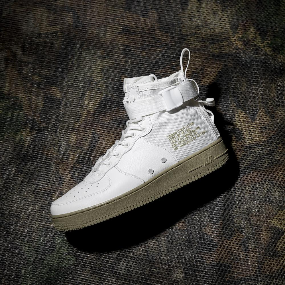 NIKE SF AIR FORCE 1 MID IVORY / NEUTRAL OLIVE