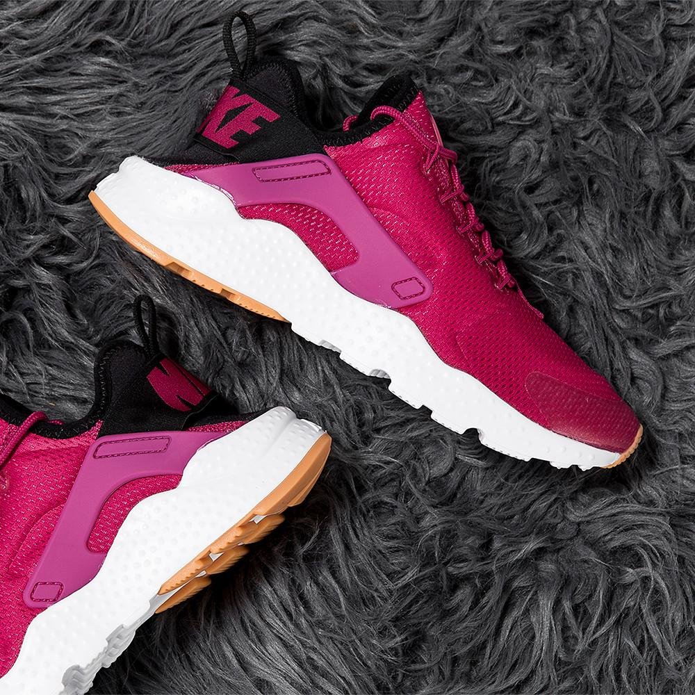 style code 819151-602. NIKE WOMEN'S AIR HUARACHE RUN ULTRA / SPORT FUCHSIA