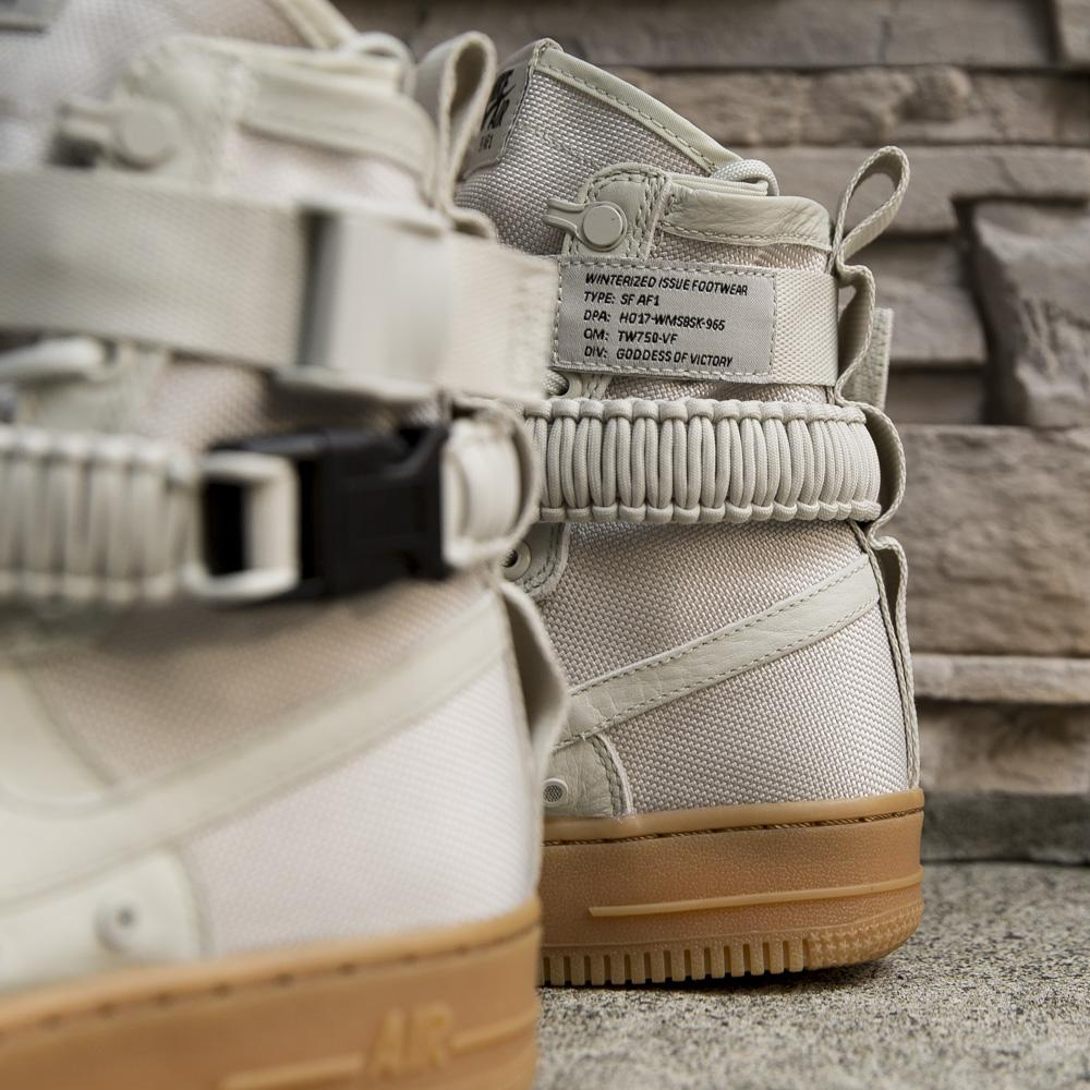 NIKE WOMEN'S SF AIR FORCE 1 / LIGHT BONE