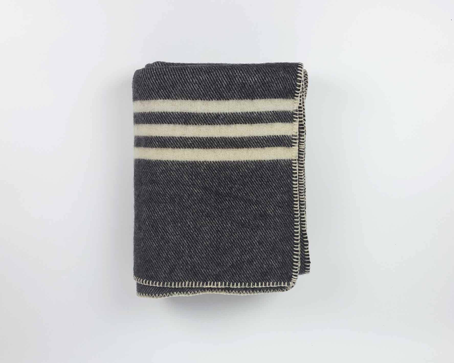 Wool Blanket | Dark Grey - www.kanahta.com - 1