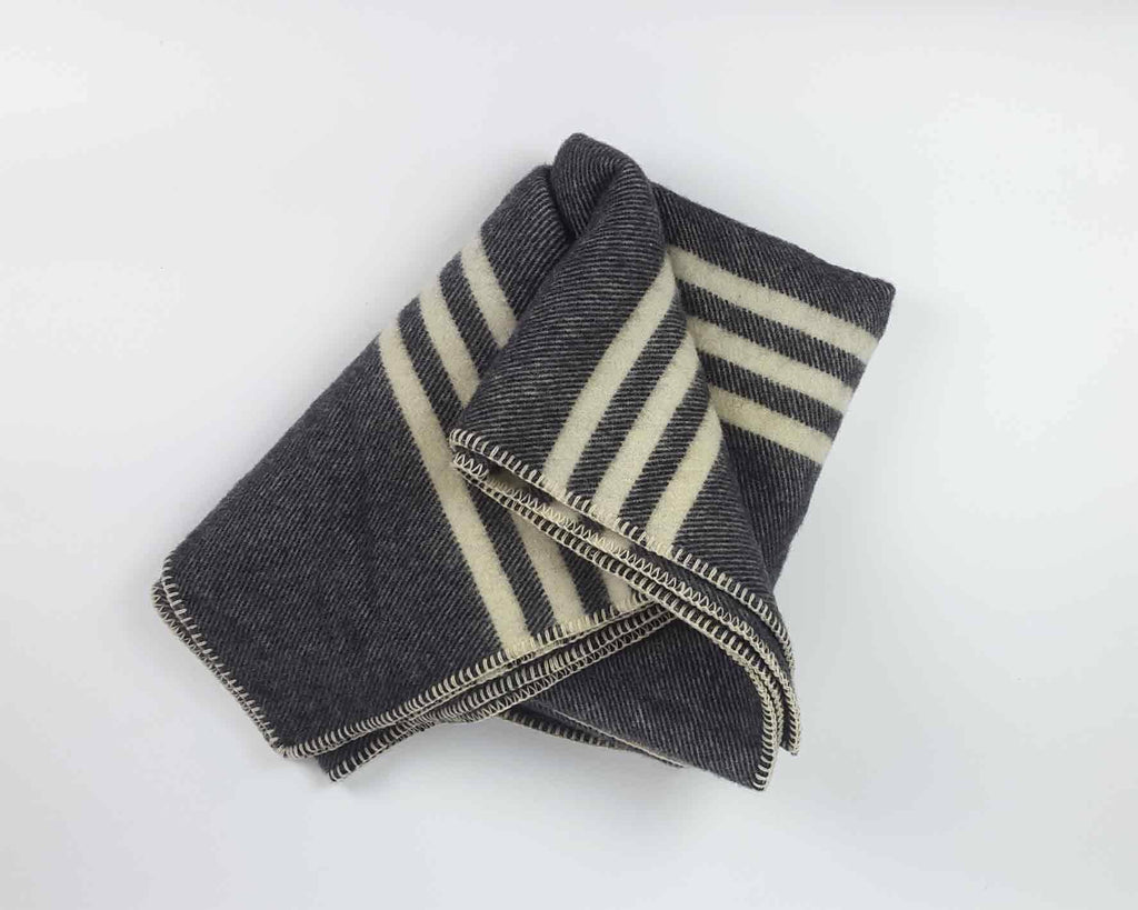 Wool Blanket | Dark Grey - www.kanahta.com - 2