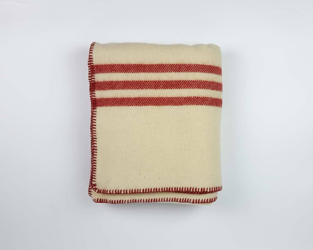 Wool Blanket | Natural White and Red - www.kanahta.com - 1