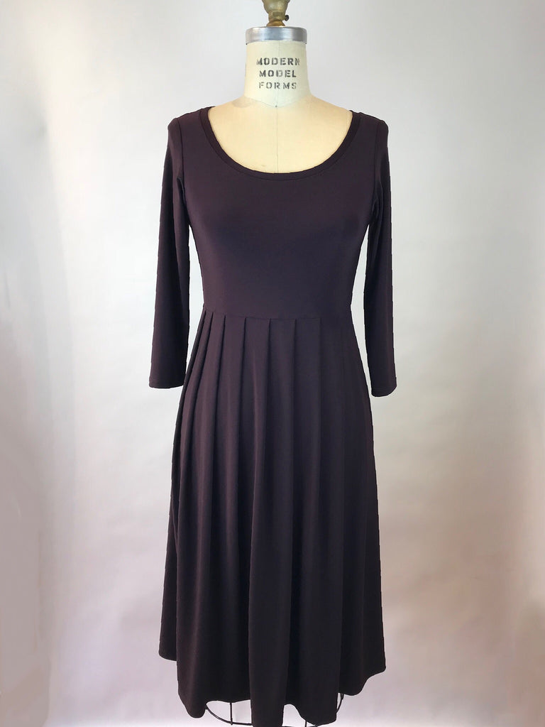 Scoop Neck 3/4 Sleeve Jersey Tuck Dress