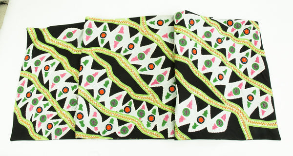Hojas en el Rio Design Embroidered Table Runner on black