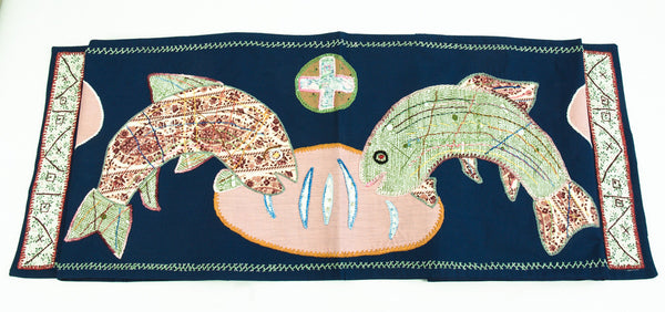 Pan y Pescado Design Embroidered Table Runner on navy