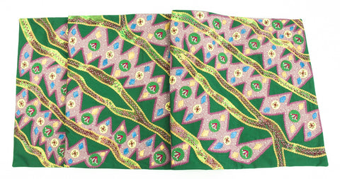 Hojas en el Rio Design Embroidered Table Runner on green