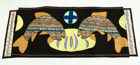 Pan y Pescado Design Embroidered Table Runner on black