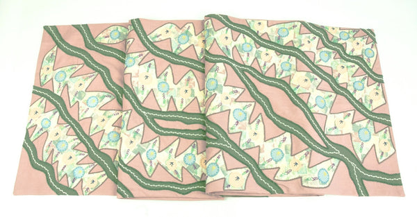 Hojas en el Rio Design Embroidered Table Runner on pale rose