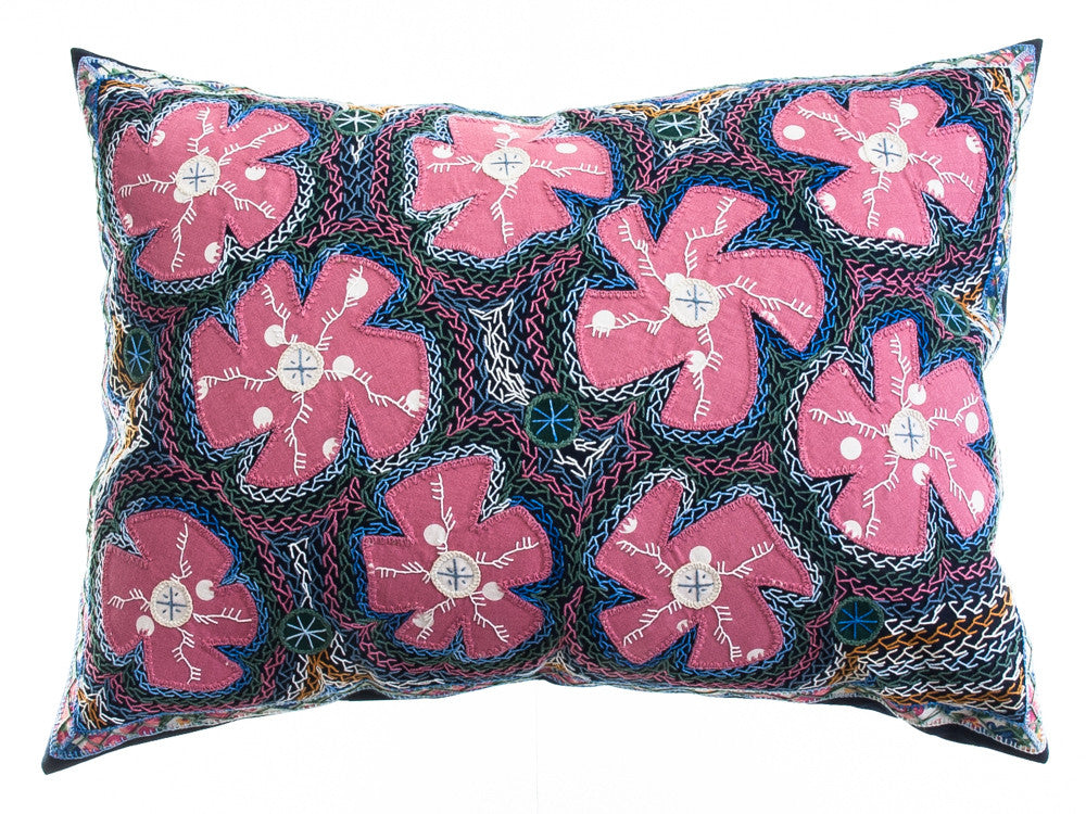 Flores Design Embroidered Pillow on black
