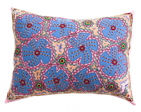Flores Design Embroidered Pillow on pink