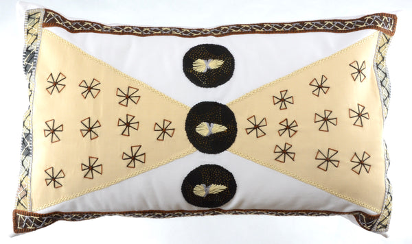 Corbatín Design Embroidered Pillow on white