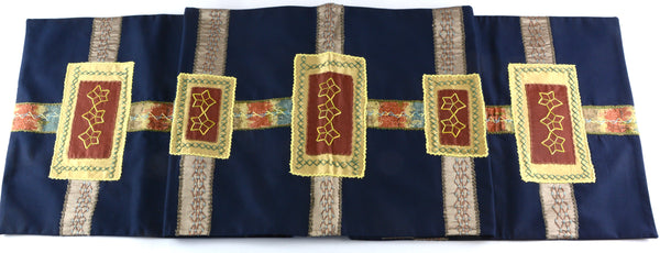 Cinturón Design Embroidered Table Runner on Navy
