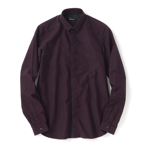 Fred Perry Concealed Placket Oxford Shirt<p>Mahogany