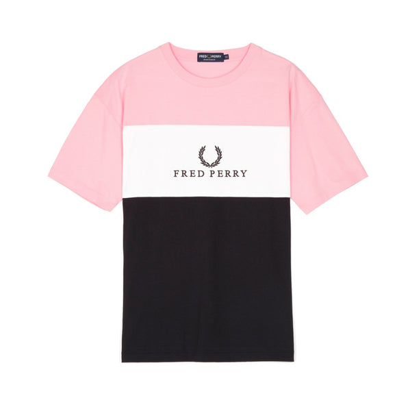 Fred Perry Sports Authentic Embroidered Panel T-shirt<p>Pink