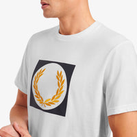 Fred Perry Laurel Wreath Graphic T-Shirt<p> Snow White