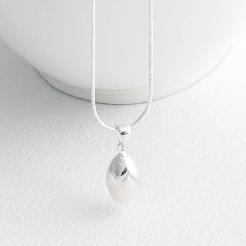 Olivia Sterling Silver & Freshwater Pearl Necklace