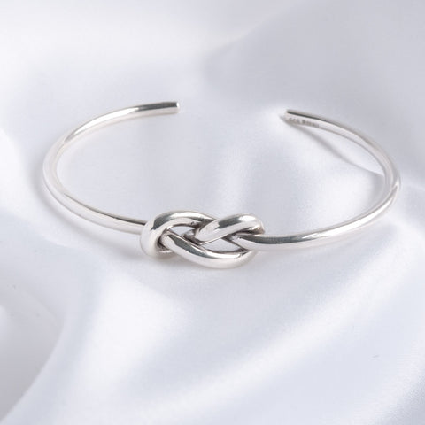 Lille Silver Double Knot Torque Bangle