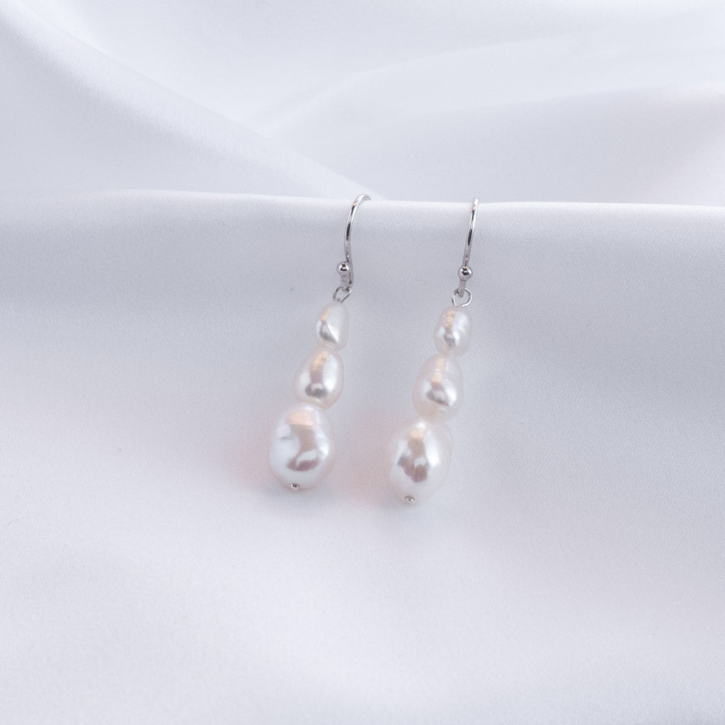 Arwen Graduated Baroque Pearl Drop Earrings