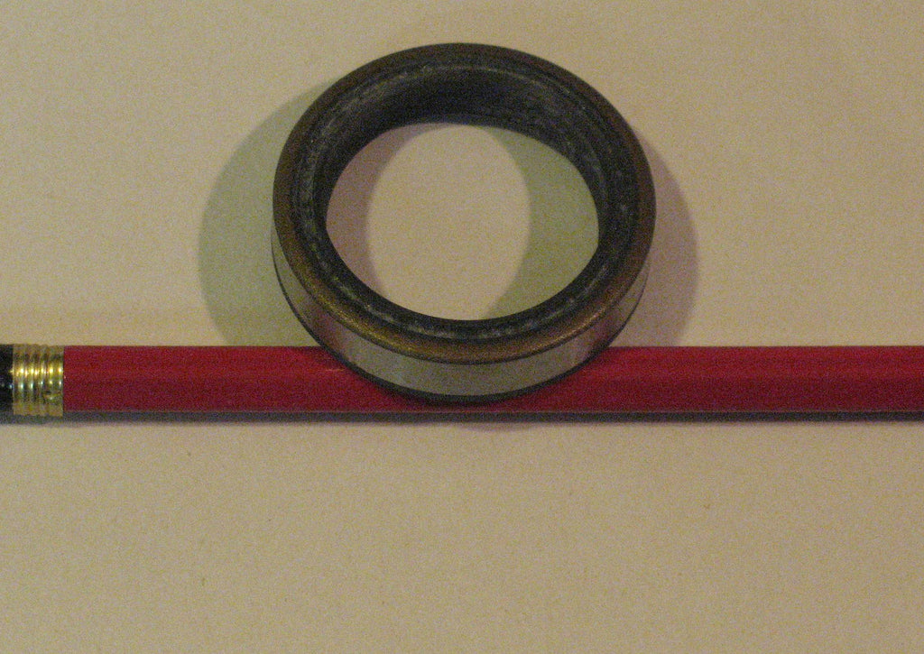 308500 seal, new # 321504 top crankshaft seal 1962-64 28hp, 1965-76 33hp, 1962-73 40hp