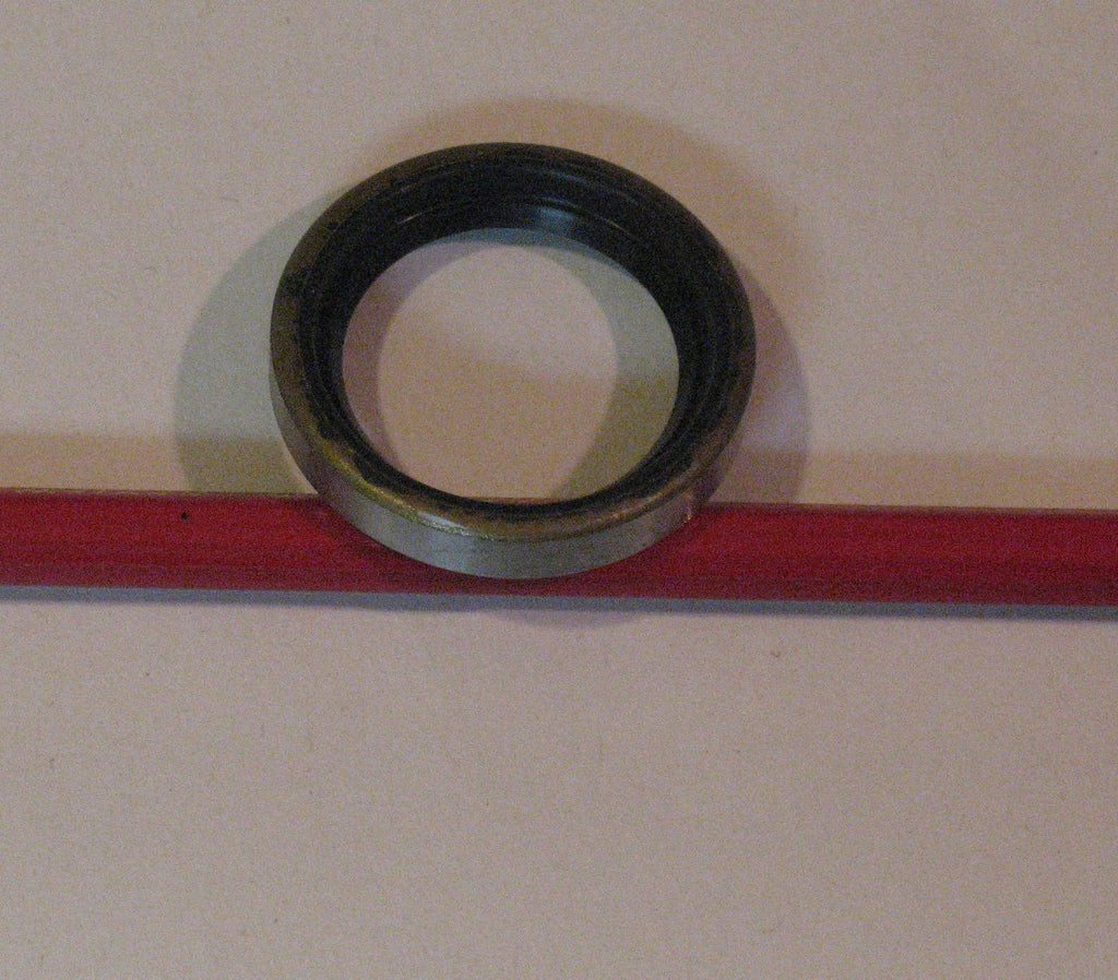 303804 seal, top crank shaft seal 15,18,30 and 35hp 1955-1957 single lip
