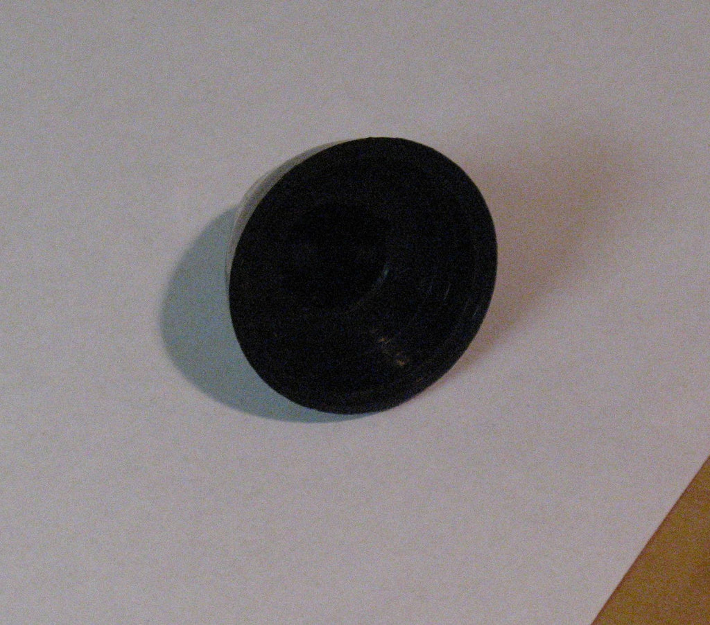 305294 propeller nut 35 and 40HP plastic nut, keyed not threaded