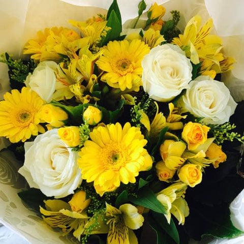 Yellow and White mix flowers - Flowers Bouquet - Flower Shop Florist Wellington NZ