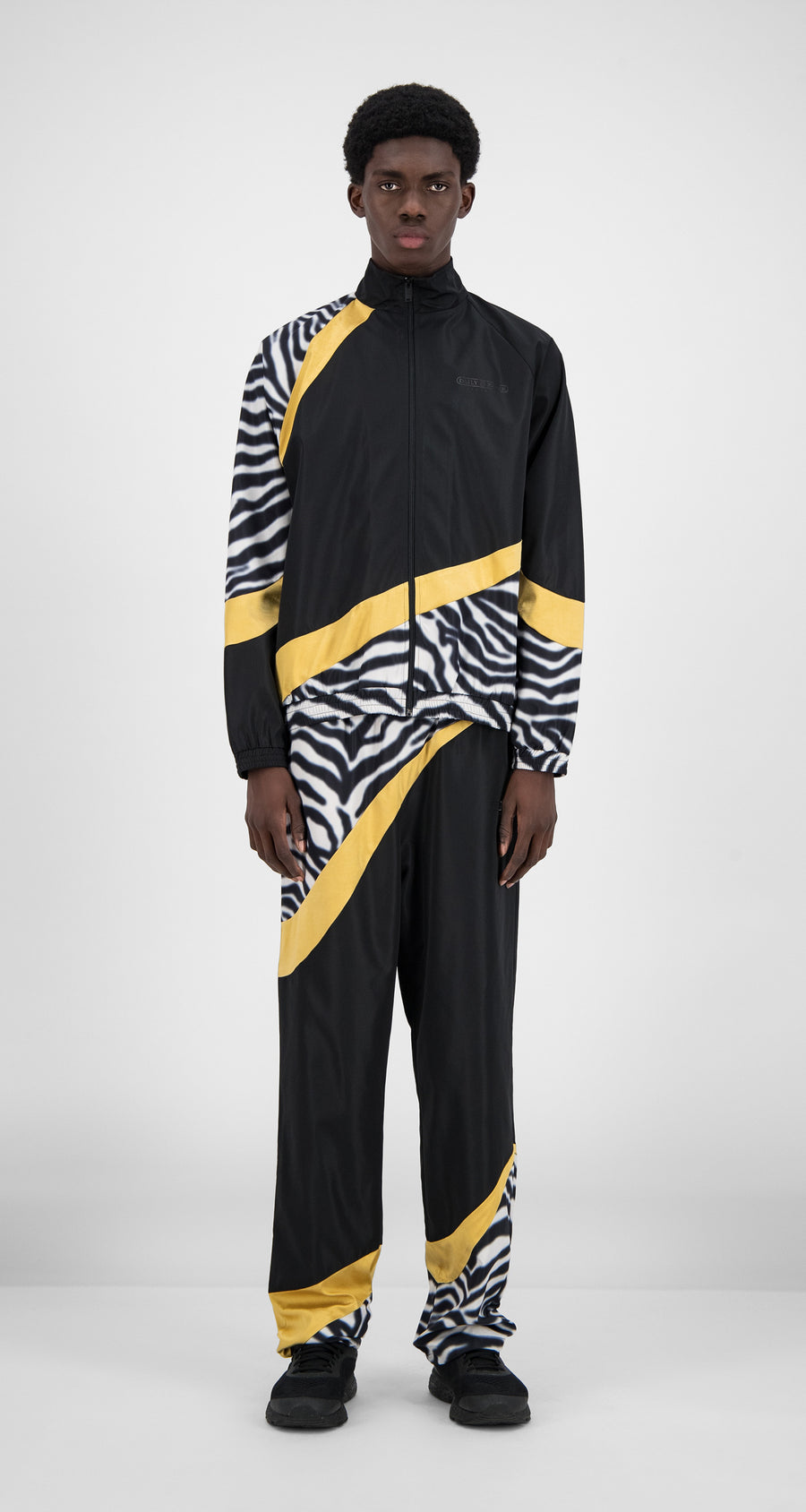 Daily Paper - Black Zebra Gold Hasoh Top - Men Front