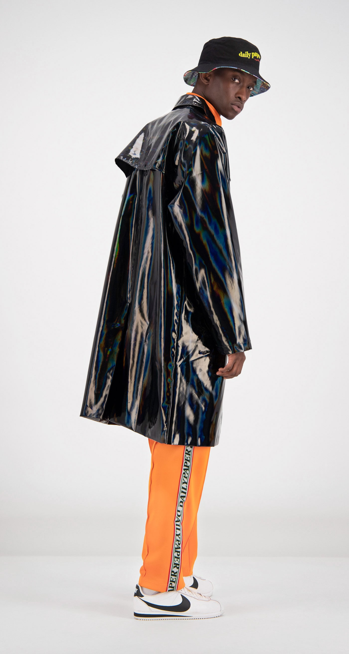 Daily Paper - Black Holographic Fain Coat Men