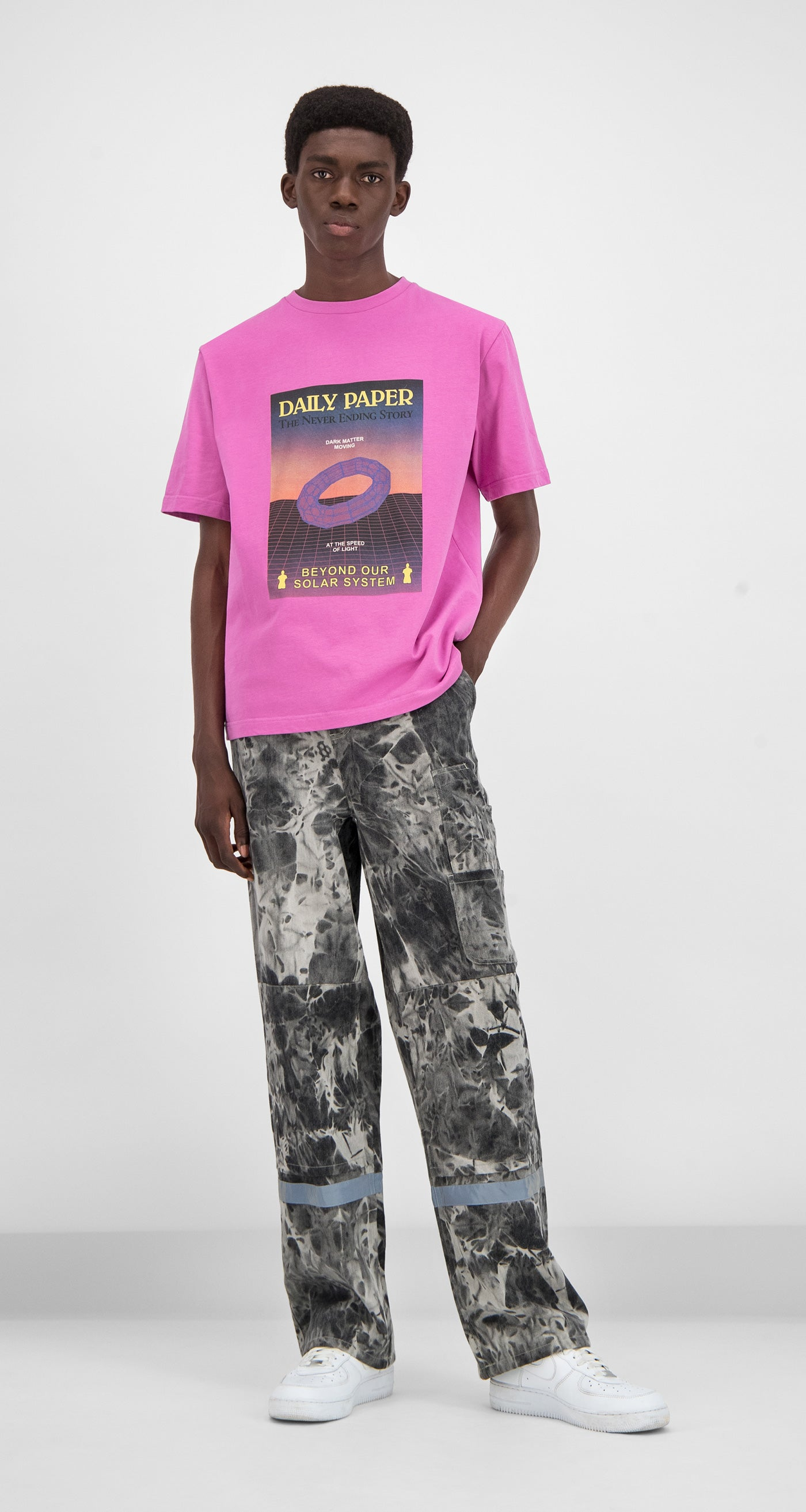 Daily Paper - Pink Gensupi T-shirt Men Front