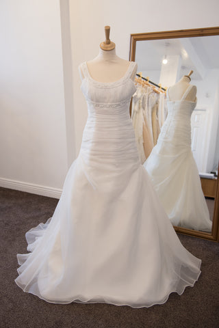 The Memories Collection ivory bridal dress with scoop neck