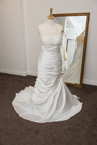 Allure Bridal ivory ruched bridal dress with detachable lace top