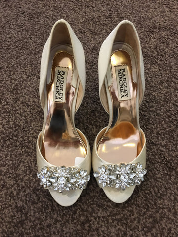Badgley Mischka champagne peep toe stilettos