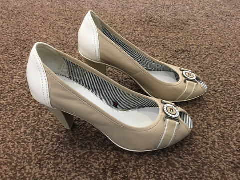 Tommy Hilfiger beige and cream peep toe shoes