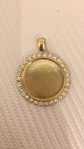 Blingy round gold coloured charm for memory photo