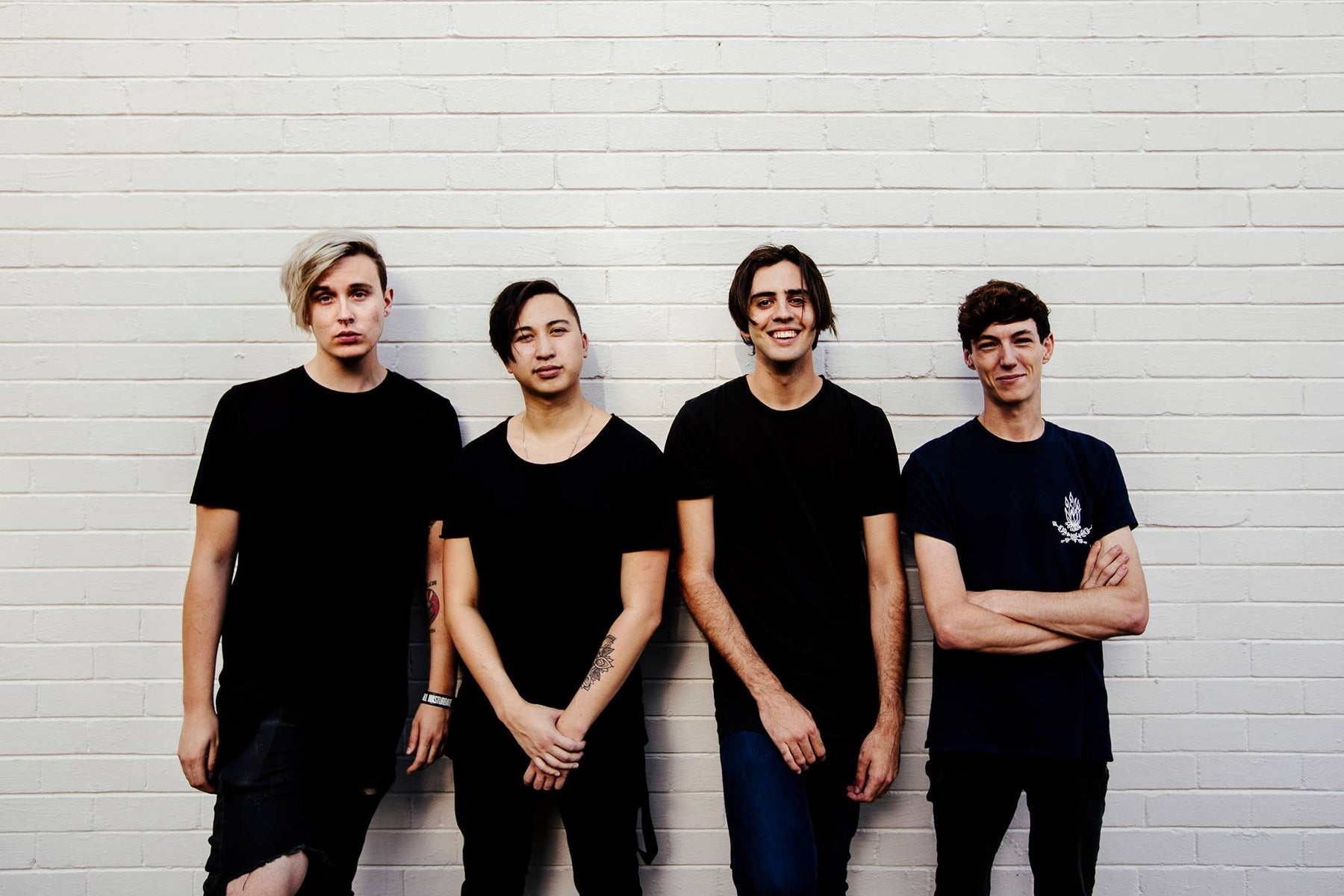 WITH CONFIDENCE SIGNING & ACOUSTIC SET