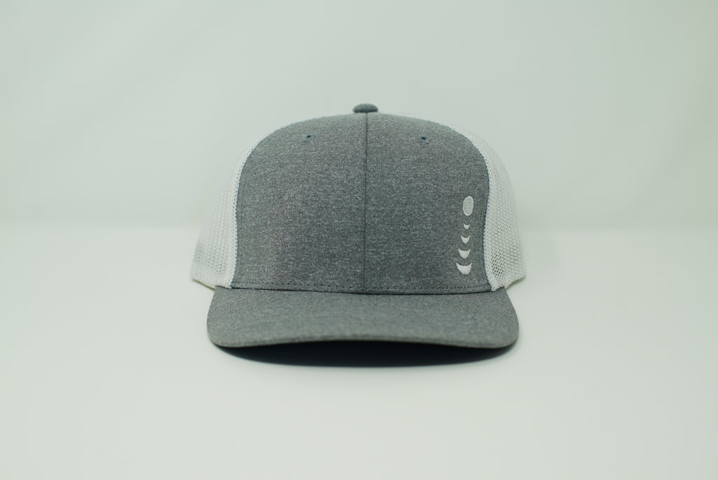 *White Mesh Knocking Hat