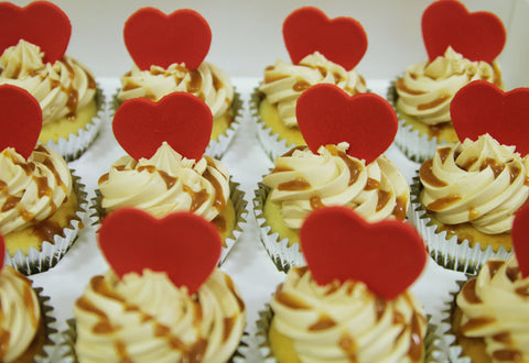 heart message cupcakes salted caramel