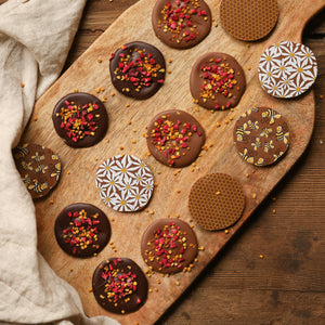 Honey & Dark Chocolate Thins with Pollen & Raspberry