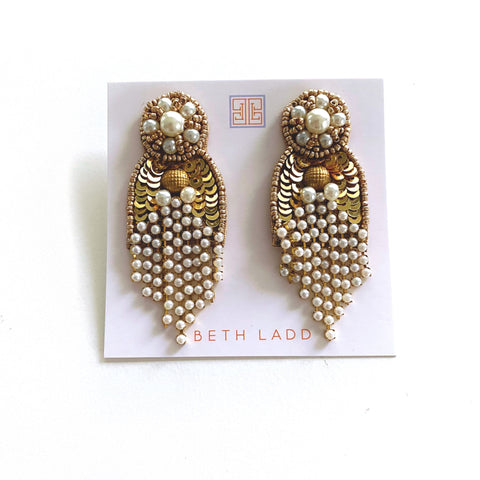 Chloe Earrings in Gold/Pearl