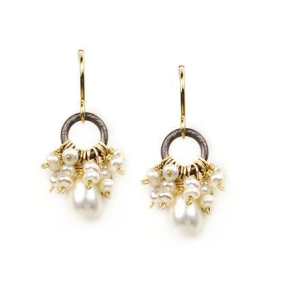Calliope Cluster Pearl earrings
