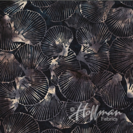 Hoffman Bali Batiks 2105 454 Dune Sea Of Shells By The Yard
