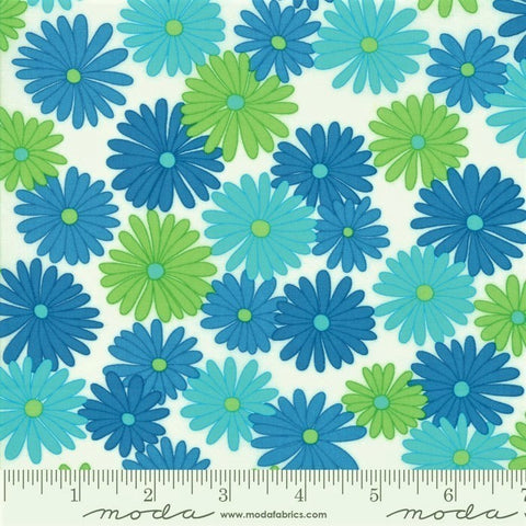 Moda Fiddle Dee Dee 22380 21 White Blue Bursting Out By The Yard