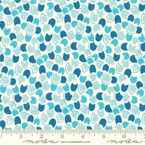 Moda Fiddle Dee Dee 22382 12 Blue Petal Dee Dee By The Yard