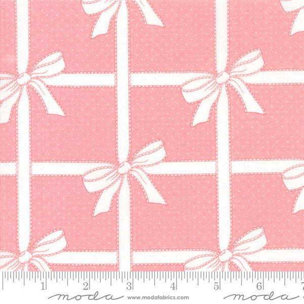 Moda Vintage Holiday 55165 15 Wrapped Up Pink By The Yard