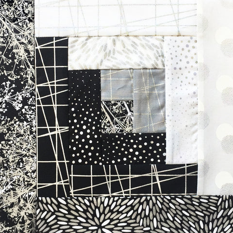 Hoffman Sparkle & Fade Pre-cut 12 Block Log Cabin Quilt Kit - Black & Silver