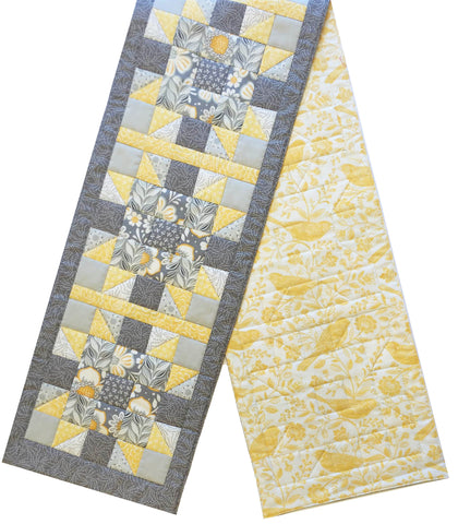 Jordan Fabrics Pre-cut Star Burst Table Runner Kit - Chirp