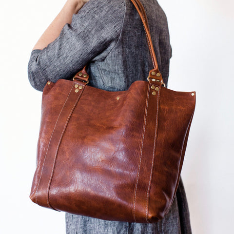 :: Coast-to-Market Demi Tote ::